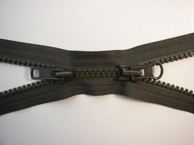 Zipper, army green, double divisible, 50 cm.